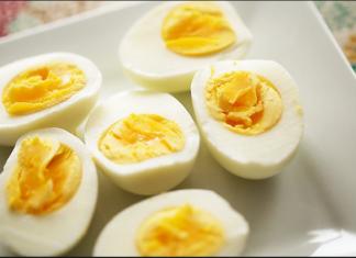 Low cholesterol egg preparation
